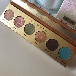 New ButterLondon Natural Goddess Eyeshadow Palette